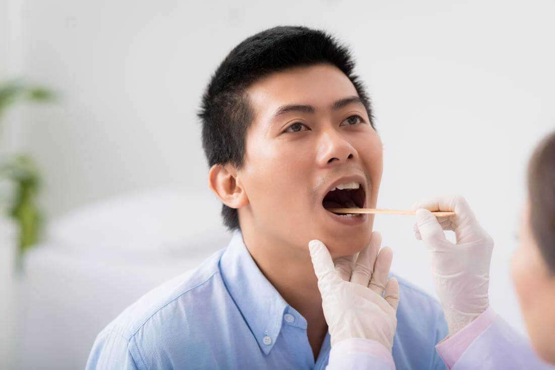Should Primary Care Providers Examine the Mouth?