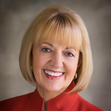 Beth Truett Headshot